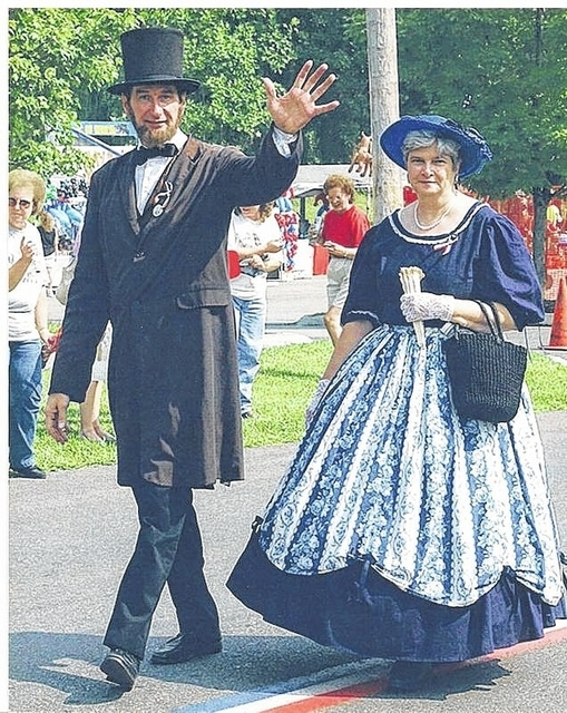 Bruce and Carol Shawver portray President and Mrs. Lincoln.