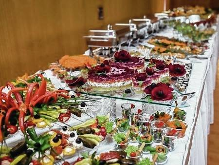 Too many people have been sickened by food at weddings. Take some simple steps to avoid this unwelcome party favor.