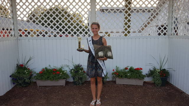 Ashton Arnette Champaign County Fair Queen received First place senior division and hand made award in the guys and gals lead.