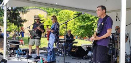 A performance by Rachel Litteral and the Abstracts is last on the agenda Saturday at Champaign Summerfest in Melvin Miller Park. Litteral is a graduate of Urbana High School.