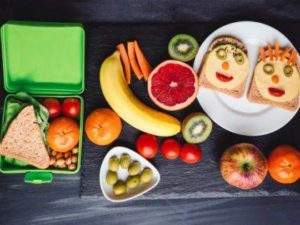 Pack school lunches safely
